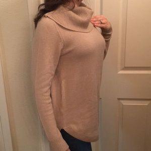 Tahari  heather cowlneck sweater small